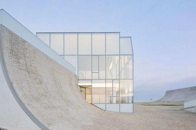 Steven Holl Architects, Cite de L'Ocean et du Surg, Biarritz, France, 2005-2011