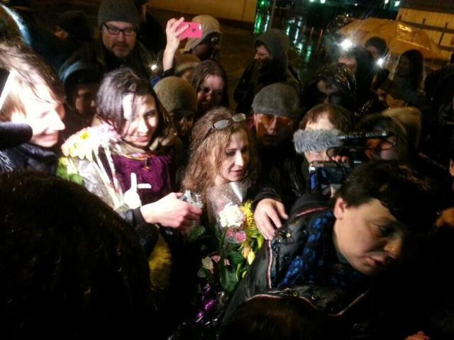 Maria Alyokhina upon release